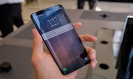 Trên tay Galaxy S8: đẹp đẹp, tròn tròn, bóng bóng, hiện đại
